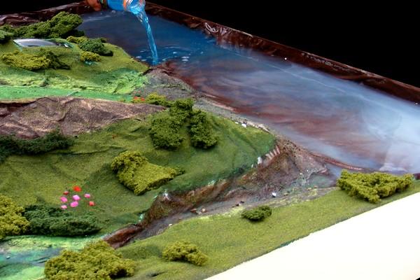 modello plastico bacino d'acqua