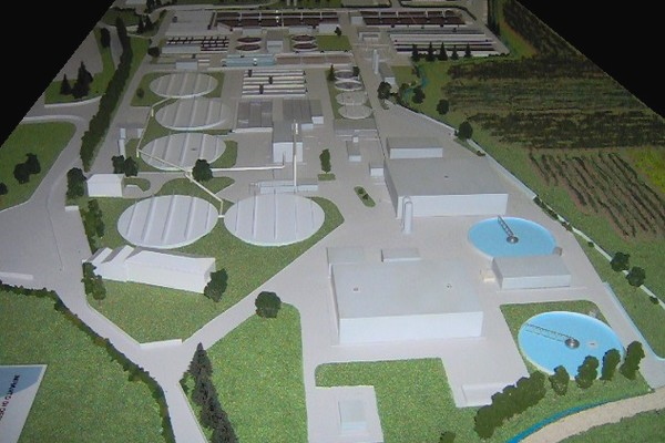 modello plastico stabilimento industriale
